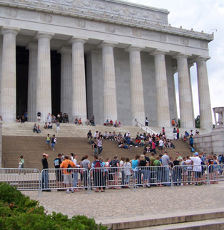 Lincoln Memorial - Line of Classic Barricade